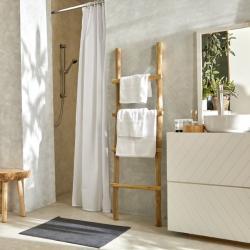 Ambiance tapis de bain lavable confort gris et serviettes de toilettes lavables confort blanches